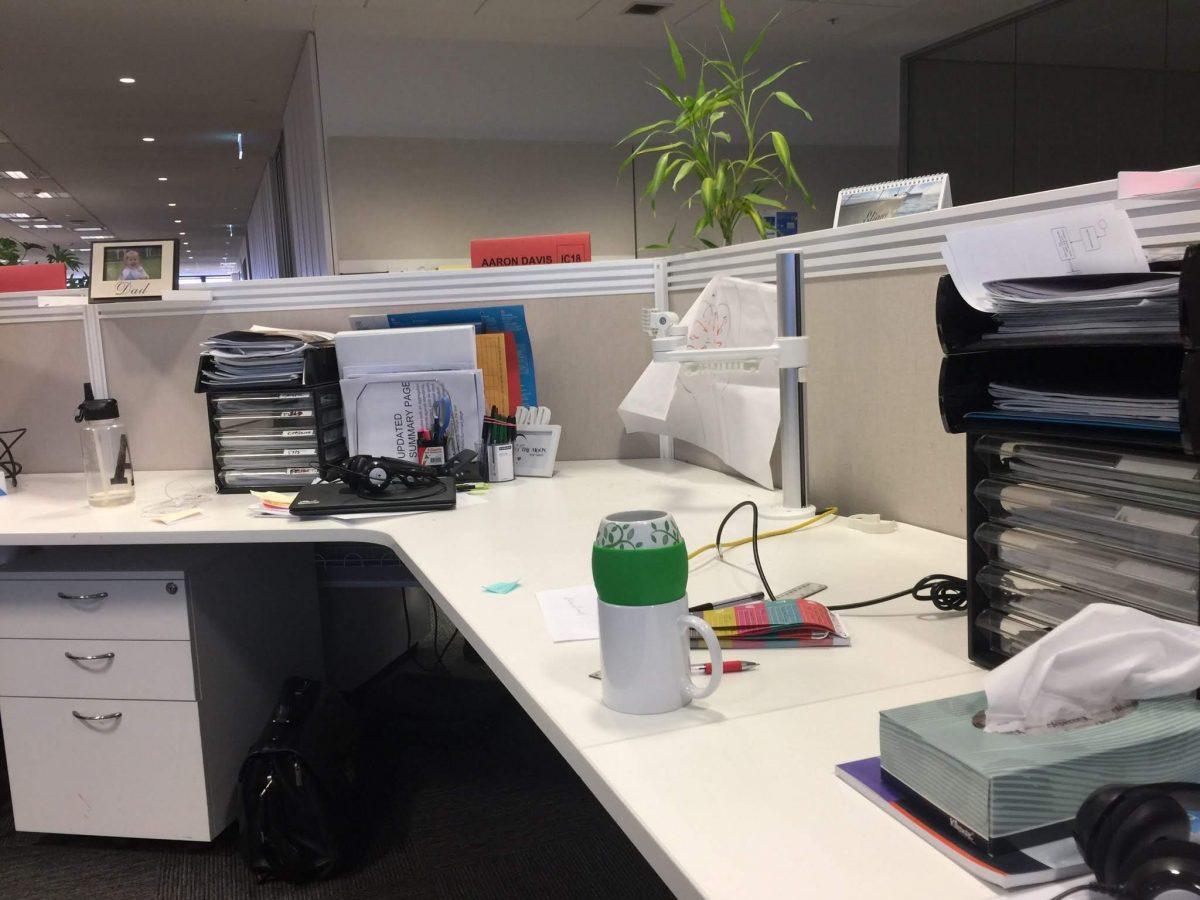 📷 Moving Desks